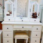 Meja Rias Putih Kayu Modern