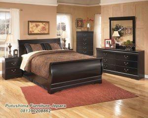 Set Tempat Tidur Jati Minimalis Pengantin